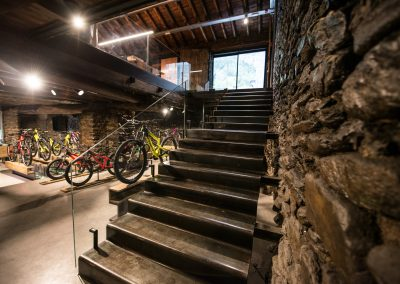 COMMENCAL_office_25-2